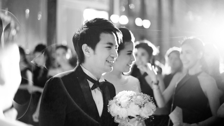 Renaissance Bangkok Ratchaprasong Hotel Wedding Reception | Bangkok Wedding Photography